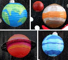 Diy Solar System Decoration What A Fun Idea For Kids Room Decor Or It Would Be Perfect For A Kids Space Theme Party Diy Solar System Space Party Decorations