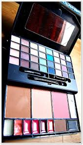 elf studio makeup clutch palette