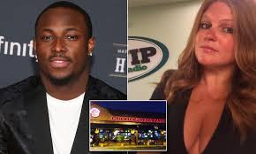 Chickie's and Pete's waitress lets rip over Buffalo Bills star LeSean  McCoy's bad behavior   Daily Mail Online
