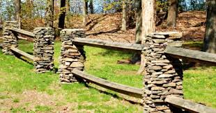 Stone Column S And Wood Fence Rustic Landscaping Stone Fence Driveway Fence