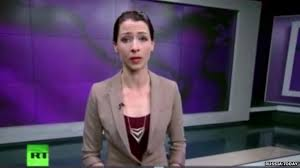 Russia Today presenter goes off-script over Ukraine crisis - BBC News