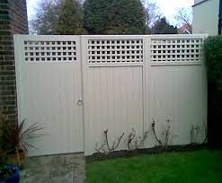 Fence With Trellis For Additional Height For Back Fence Paint One Colour To Unite With Images Garden Fence Paint Small Garden Fence Cuprinol Garden Shades