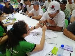 686 Kapampangan farmers receive cash loans from Land Bank | Philippine  Information Agency