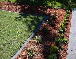yard landscaping ideas and flower beds