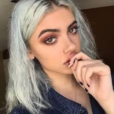 bold makeup trends