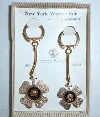 HIS & HERS TWO BUBBLE KEY CHAINS ON SHAMROCK 1964 - 65 NEW YORK ...