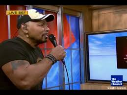 Aaron Neville performs his new song - YouTube