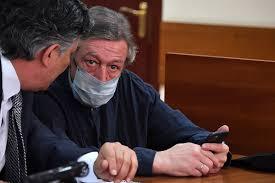 Суд над Михаилом Ефремовым в лицах: Появились рисунки с заседания