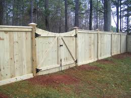 How To Choose A Fence Design For Your Home