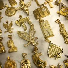 all types of gold pendants available