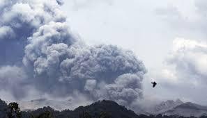 abu vulkanik erupsi gunung kelud sampai ke subang detikforum