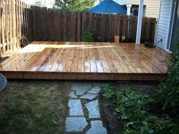 ground level cedar deck with natural
