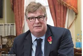 Hedge fund tycoon Crispin Odey makes £115million from this month's  coronavirus stock market crash | Daily Mail Online