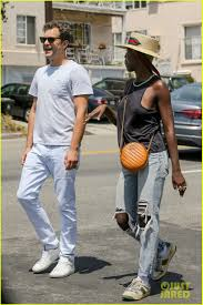 Joshua Jackson & Jodie Turner-Smith Pack on the PDA in New Photos ...