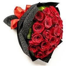 باقات ورد حمراء الورد الاحمر يكفى لتحكى لها عن عشققك عزه و ثقه