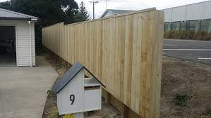 Outside Rail On Retaining Wall With 50mm Cap Strongfencing Co Nz