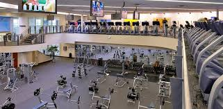 la fitness hours holiday hours today