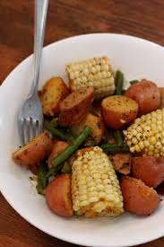 slow cooker smoked sausage country boil