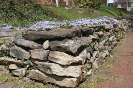 how to build a stone retaining wall