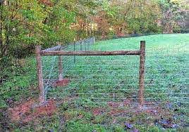 4x4 Sheep Or Goat Wire On Metal T Post W Wood Corner Bracing Livestock Fence Farm Fence Fence Builders