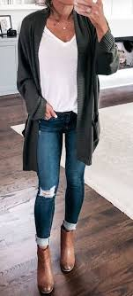 Pin by jacklyn peterson on Outfit Ideas | Fashion, Womens fashion chic,  Distressed skinny jeans