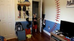 Round321 Baseball Decal Installation Baseball Theme Bedroom Decor Youtube