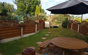 Hmg Paints Hmg Fence And Shed Paint Brings Colour To Gardens Family Business Network
