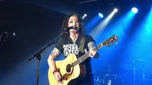 Ashley McBryde - Fat and Famous Live in ...