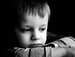 صور اطفال حزينه رمزيات لصغار حزينين بنات كول
