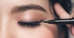 our best makeup tips for hooded eye