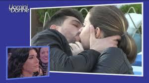 Uomini e Donne, trono classico: il bacio tra Andrea e Natalia
