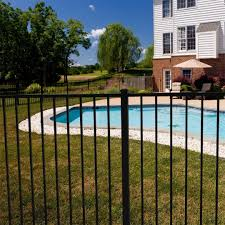 Yardlink Fence Posted To Instagram The East Bay Aluminum Fence Is A Classic Des Aluminum Bay Classic Des In 2020 Aluminum Fence Fence Builders Backyard Fences