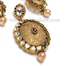 22 kt pendant set with pearl antique