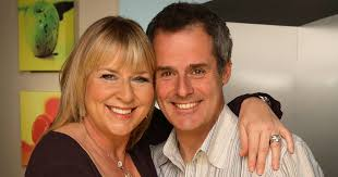 Fern Britton announces split from husband Phil Vickery after '20 ...