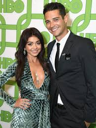 Sarah Hyland Says Wells Adams Won't Give Her Bachelorette Spoilers |  PEOPLE.com