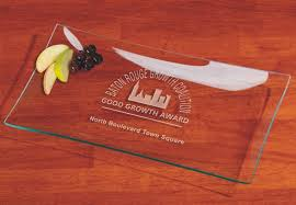 clear glass rectangle serving tray