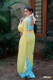 Aditi Agarwal in saree photos (9)