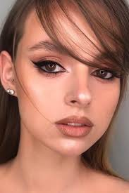 brown eyes and brown hair cat eye makeup