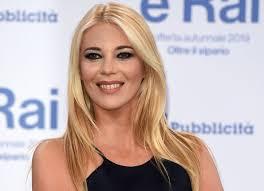 Eleonora Daniele è incinta, l'annuncio a Storie italiane