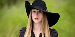 Who Plays Sophie Green In American Horror Story? Taissa Farmiga ...