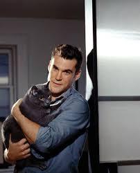 Sean Maher Is A Cat Person - Animal Fair