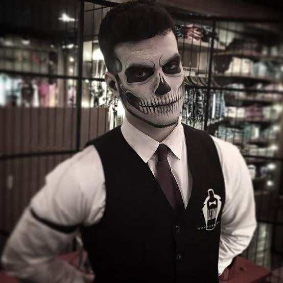 Resultado de imagem para caveira fantasia halloween homem