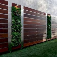 Five Beautiful Mid Century Modern Fence Design You Should Adopt For Your Home