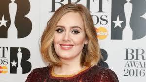 Adele dimagrita, ha perso 30 kg. La cantante sembra un'altra ...