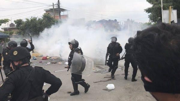 """Resultado de imagen de Migrantes ingresan a México tras enfrentamientos con fuerzas de seguridad"""""""