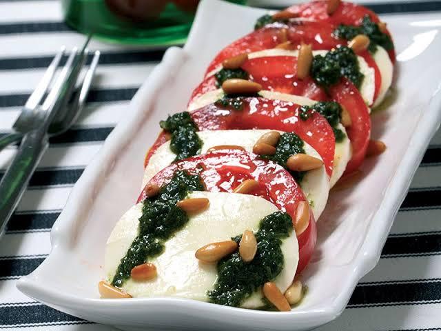 Caprese Salatası Nasıl Yapılır?