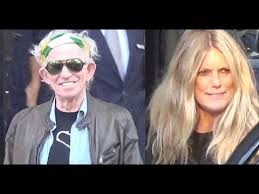 VIDEO Keith Richards and his wife Patti Hansen leaving their hotel ...