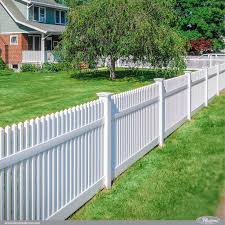 42 Vinyl Fence Home Decor Ideas For Your Yard Illusions Fence Backyard Fences Fence Styles Fence Decor