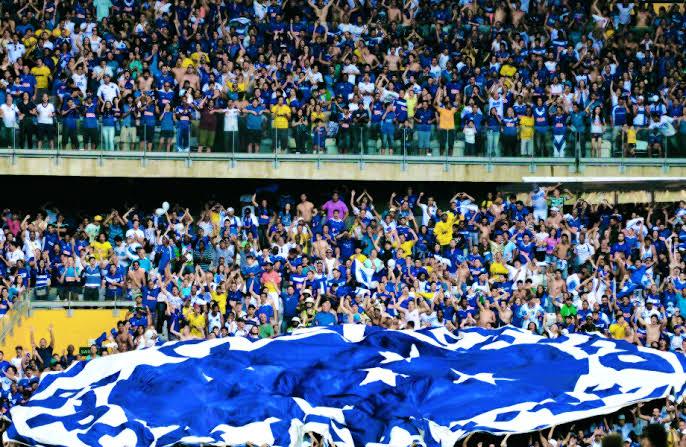 Resultado de imagem para Mineirão tem clima tenso e protestos após novo tropeço do Cruzeiro