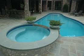 nice small pool and hot tub combo